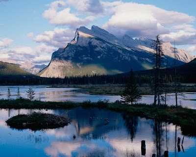 Canada Travel: Mount Rundle in Banff National Park
