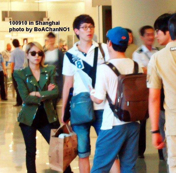 [Pics] BoA en el aeropuerto de Shanghai 47384_158139457536697_100000219325397_525268_3113743_n