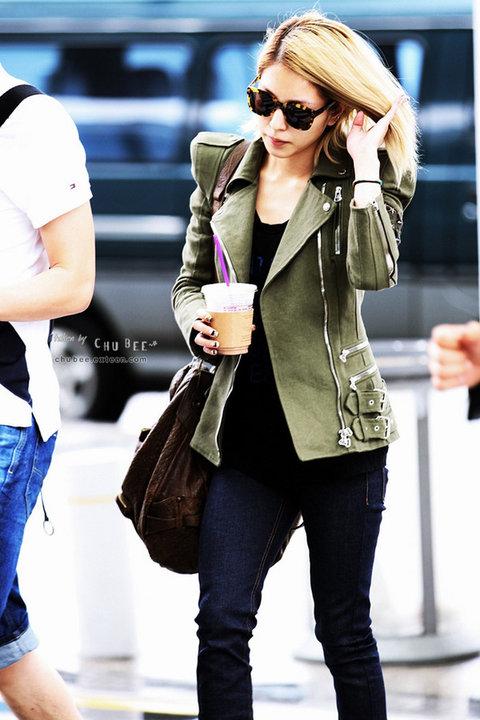 [Pics] BoA en el aeropuerto de Shanghai 47384_158139460870030_100000219325397_525269_600095_n