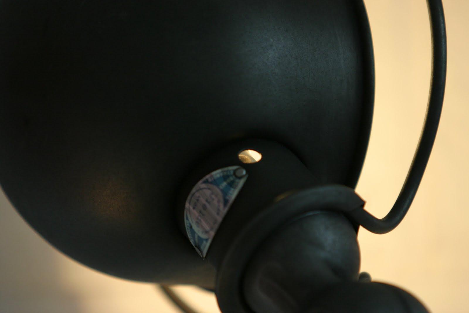 manufacture d 39 objets d 39 hier pour demain lampe jielde. Black Bedroom Furniture Sets. Home Design Ideas