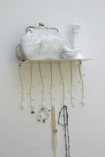 [hat-shelf-with-hooks.jpg]