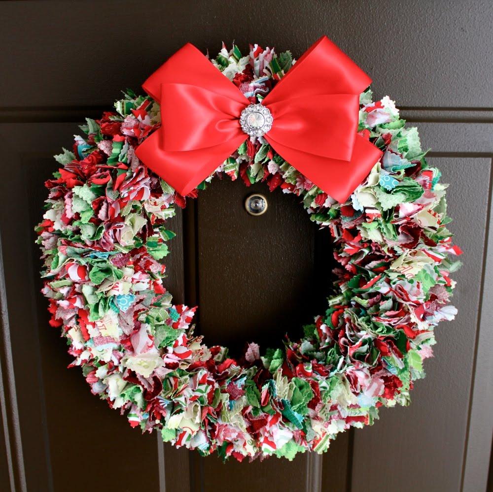 Achieving proverbs 31 christmas rag wreath for Christmas wreath