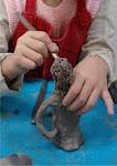 aluna de cerâmica