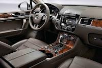 2011 Volkswagen Touareg On Road interior view