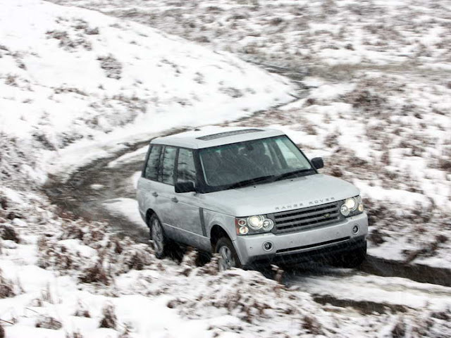 Land Rover Wallpaper snow touring
