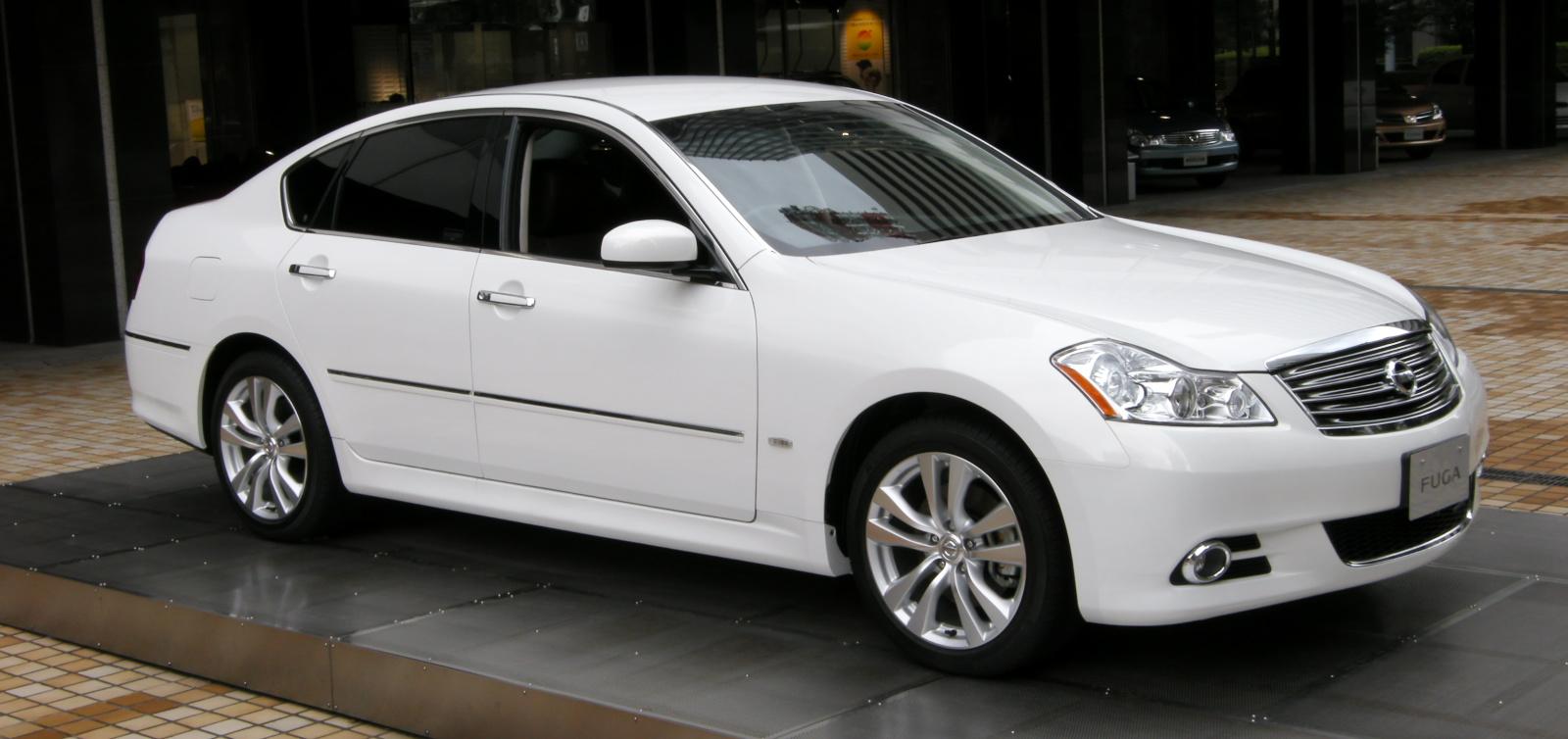 White 2011 Nissan Fuga