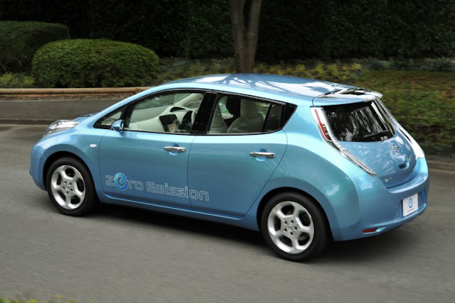 2011 Nissan Electric Leaf hatchback