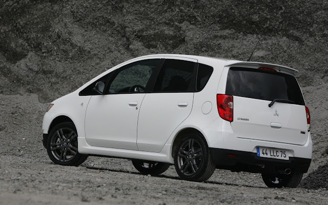 2011 Mitsubishi start selling a special version of Colt ClearTec side view
