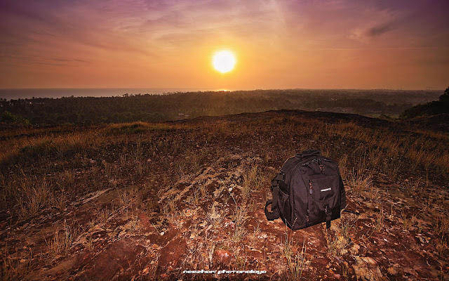 sunrise atas bukit bucu