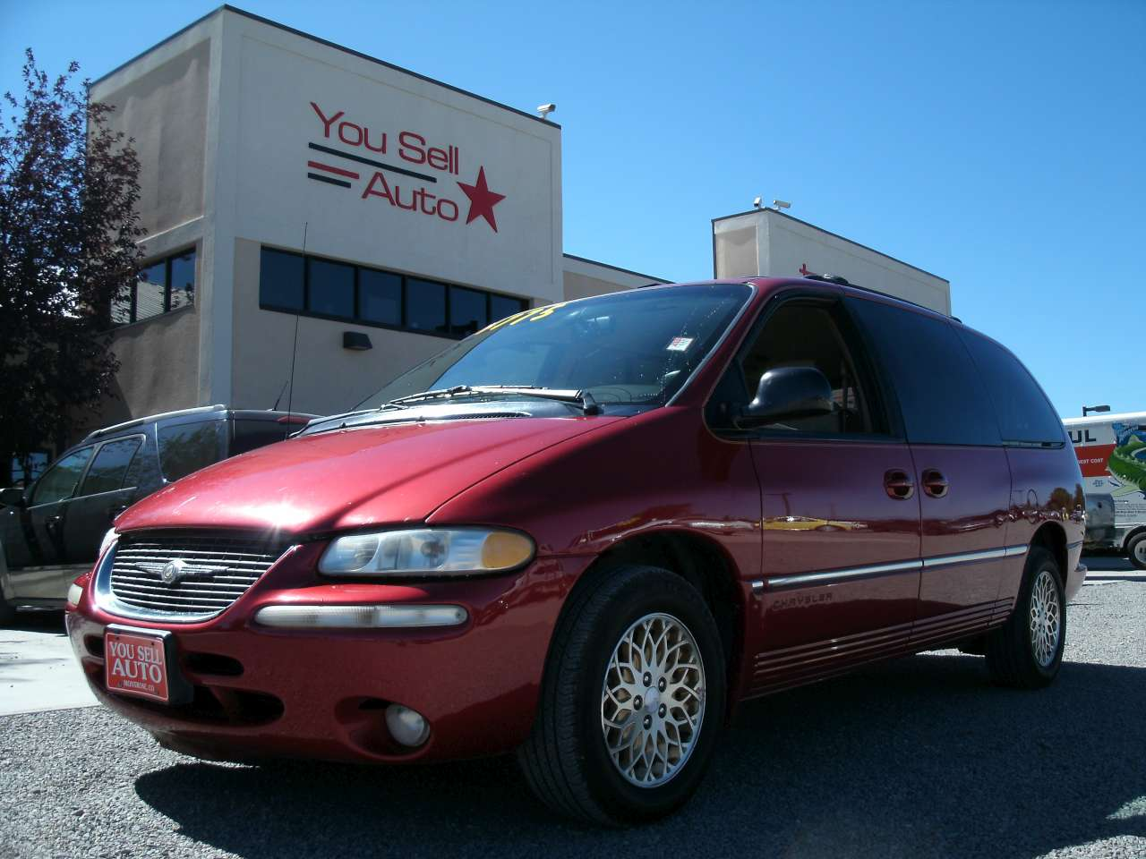 1998 chrysler town and country lxi awd 4 775 you sell auto. Black Bedroom Furniture Sets. Home Design Ideas