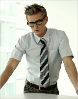 this is in no way indicative of the clothes i'm talking about, but isn't he all pretty and nerdlicious!