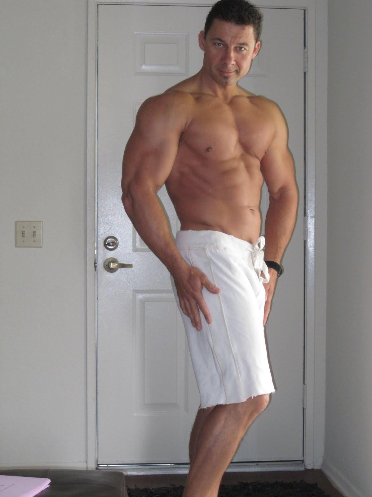 Male movie stars nude scenes