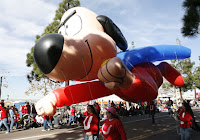 Underdog Balloon at Holiday Bowl Parade 2007
