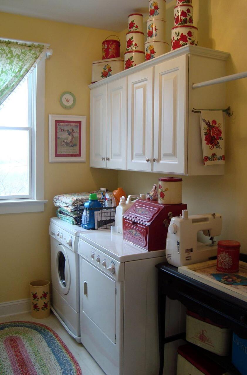 laundry room retro wallpaper - photo #36