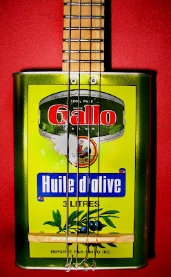 oil can ukulele