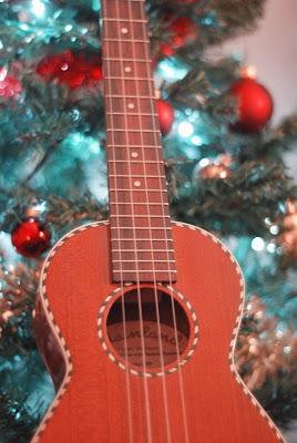 mainland christmas ukulele