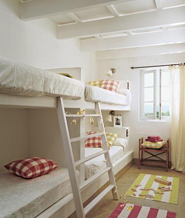 Casa tr s chic uma casa na ilha de menorca - Camas de obra ...
