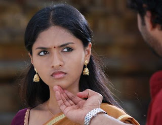 02sunaina stills in Yathumagi movie