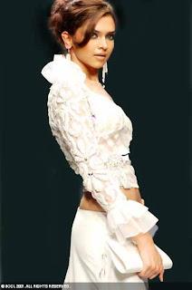 02Deepika Padukone hot bollywood actress pictures 090509