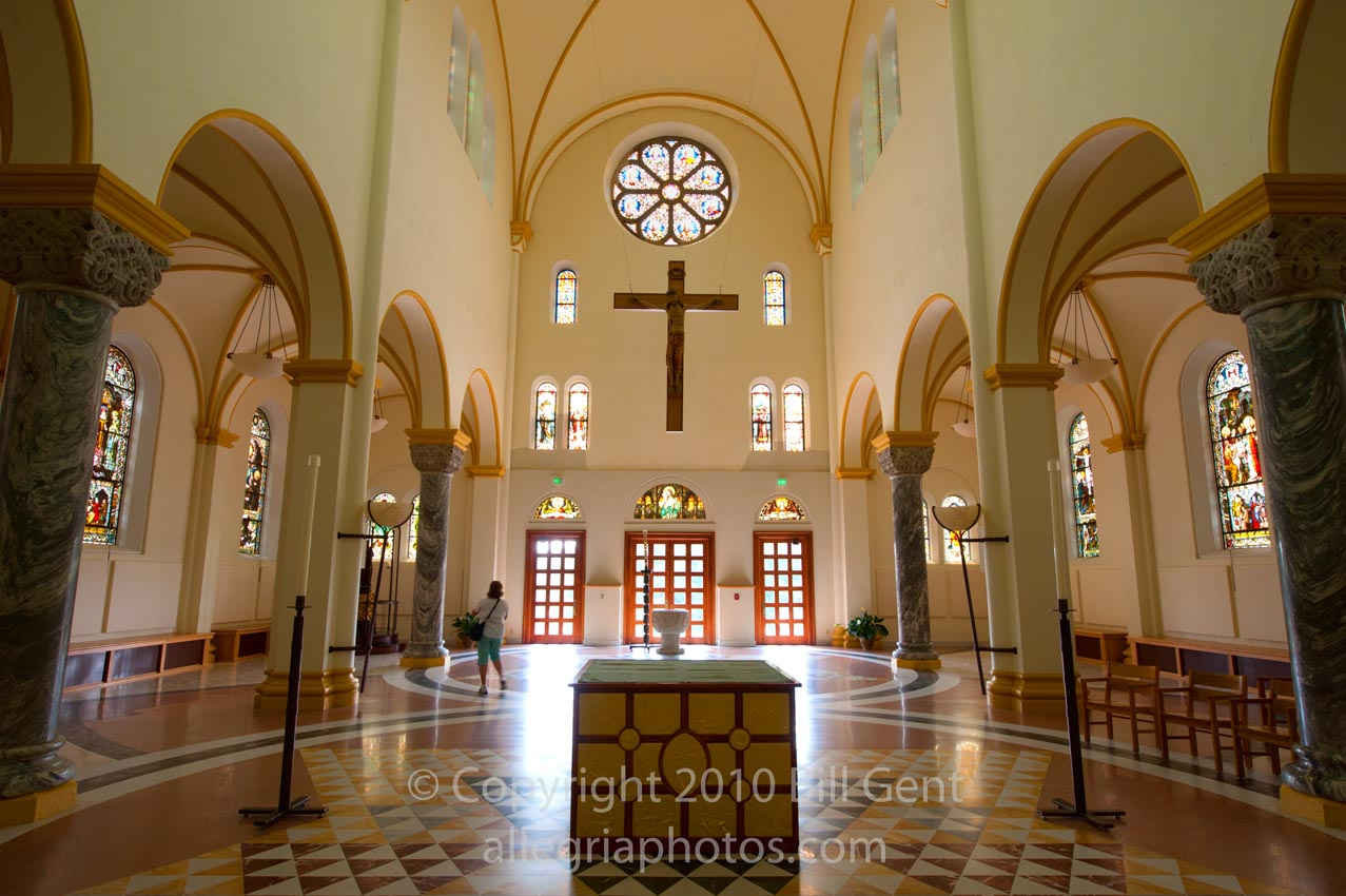 saint meinrad men St meinrad archabbey you are here:  the benedictine community at saint meinrad consists of about 100 men who dedicate their lives to prayer and work.
