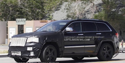 2012 Jeep Grand Cherokee SRT8 new spy shots