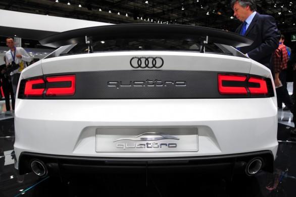 Audi E-Tron Quattro Spyder: Live Paris 2010