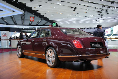 2011 Bentley Mulsanne live 2010 Paris Motor Show