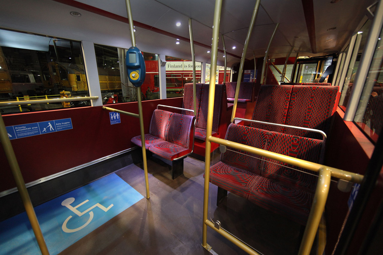 London introduces its new double-decker bus 2011 - Garage Car