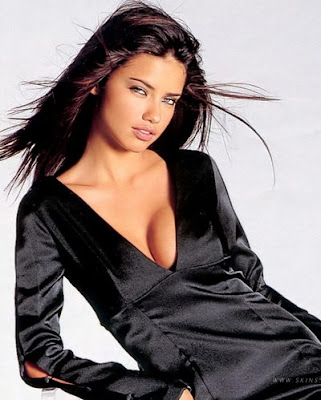 Adriana Lima nude photo