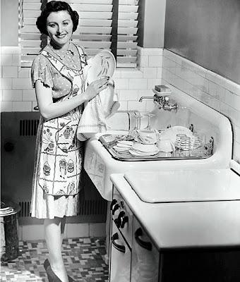 http://2.bp.blogspot.com/_3PLqqm96W00/SSUnyv9YSsI/AAAAAAAACFY/xVA3RnNX1cU/s400/vintage+housewife+dishes.jpg