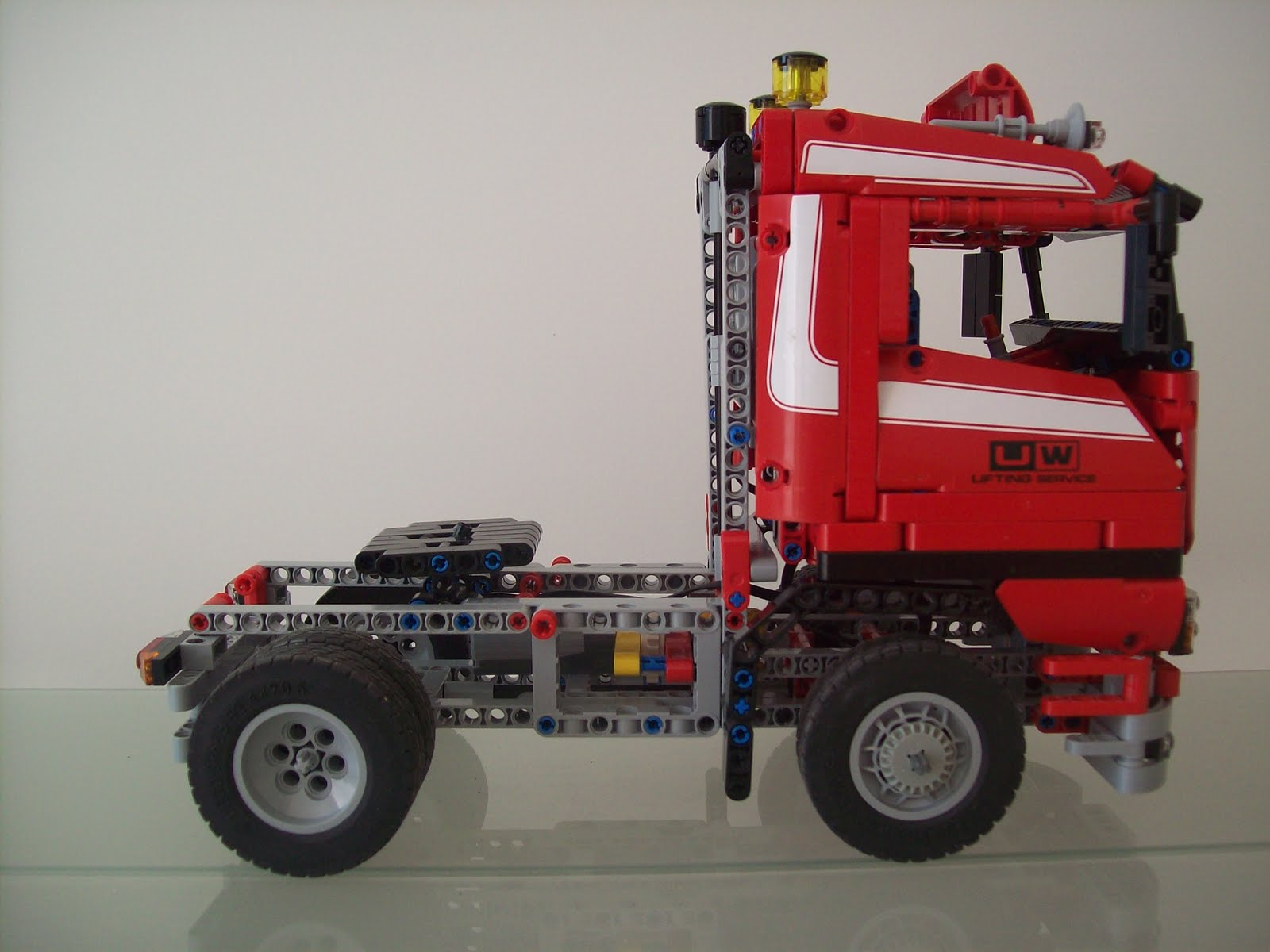 Très Passion LEGO: Le semi remorque GK76