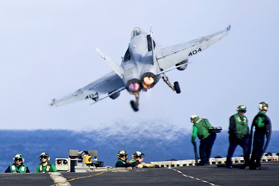 Think Tank Calls On US To Deploy Another Warship To Threaten Iran hornet heat 01 2011