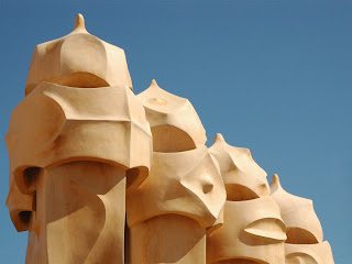 Casa Milá(Barcelona)-Antoni Gaudí