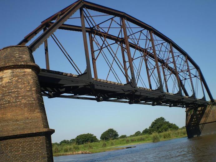 Puente de Fierro en Paso Pirapó..