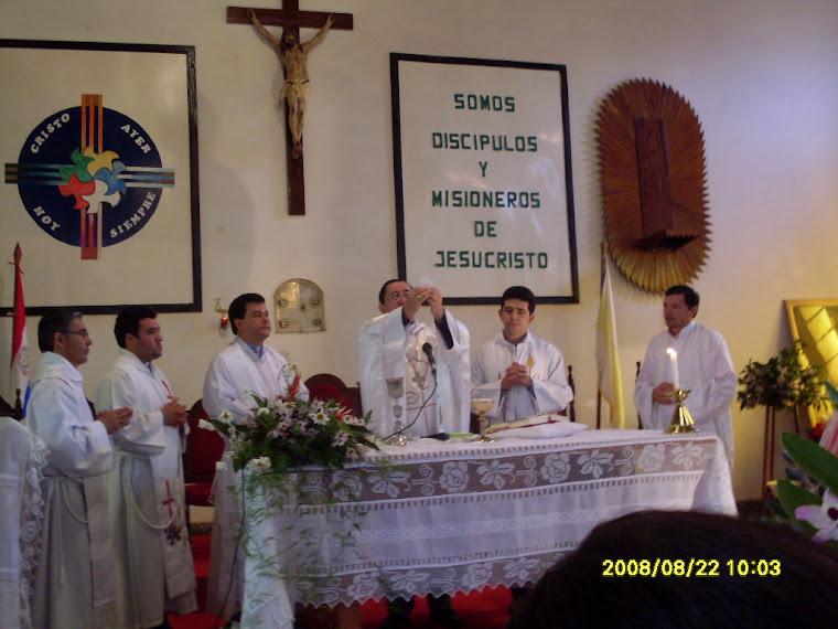 Momento de la celebración de la Misa Dominical.