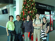 2007 Family Photo At Christchurch Int'l Airport