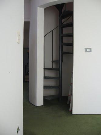 escada para o sotão