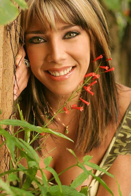 Bella sonrisa de Cynthia Klitbo