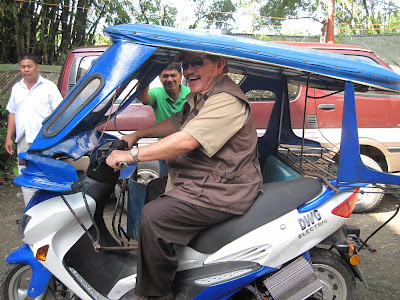 Mayor Ed Hagedorn of Puerto Princesa City, Palawan on the new etrike prototype.