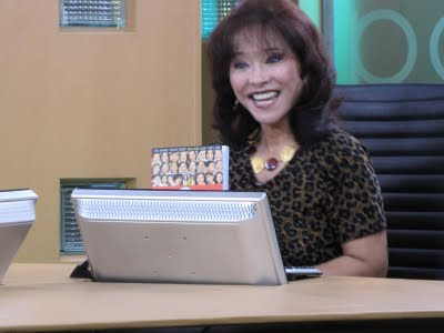Diana Limjoco on Net 25 TV Homepage show promoting Gonegosyo's book: 55 Inspiring stories of women entrepreneurs.