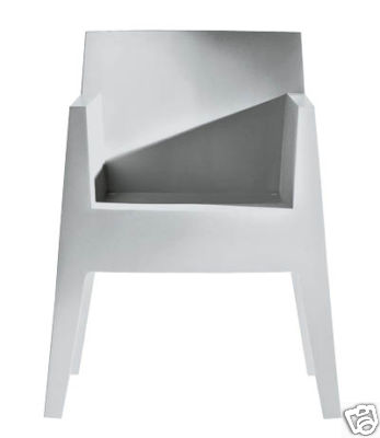 mein favorit f r den garten toy stuhl von philippe starck connys diary. Black Bedroom Furniture Sets. Home Design Ideas