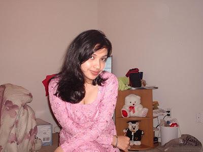http://2.bp.blogspot.com/_3XFzrlawaHE/TDn74M2yQyI/AAAAAAAAAQM/_PIUryZXUDc/s1600/Pakistani+Girls3.jpg