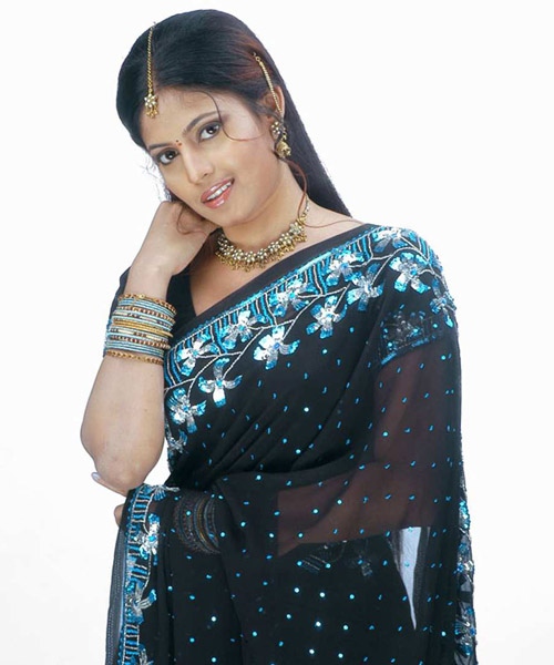 saree of saira banu latest photos