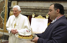 Papa Bento XVI completou 83 anos de idade: