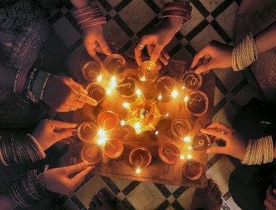 [diwali-lamps.bmp]