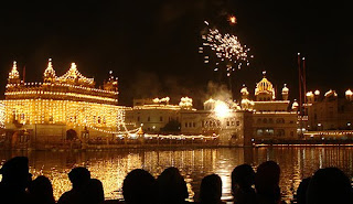 diwali celebrations in golden temple