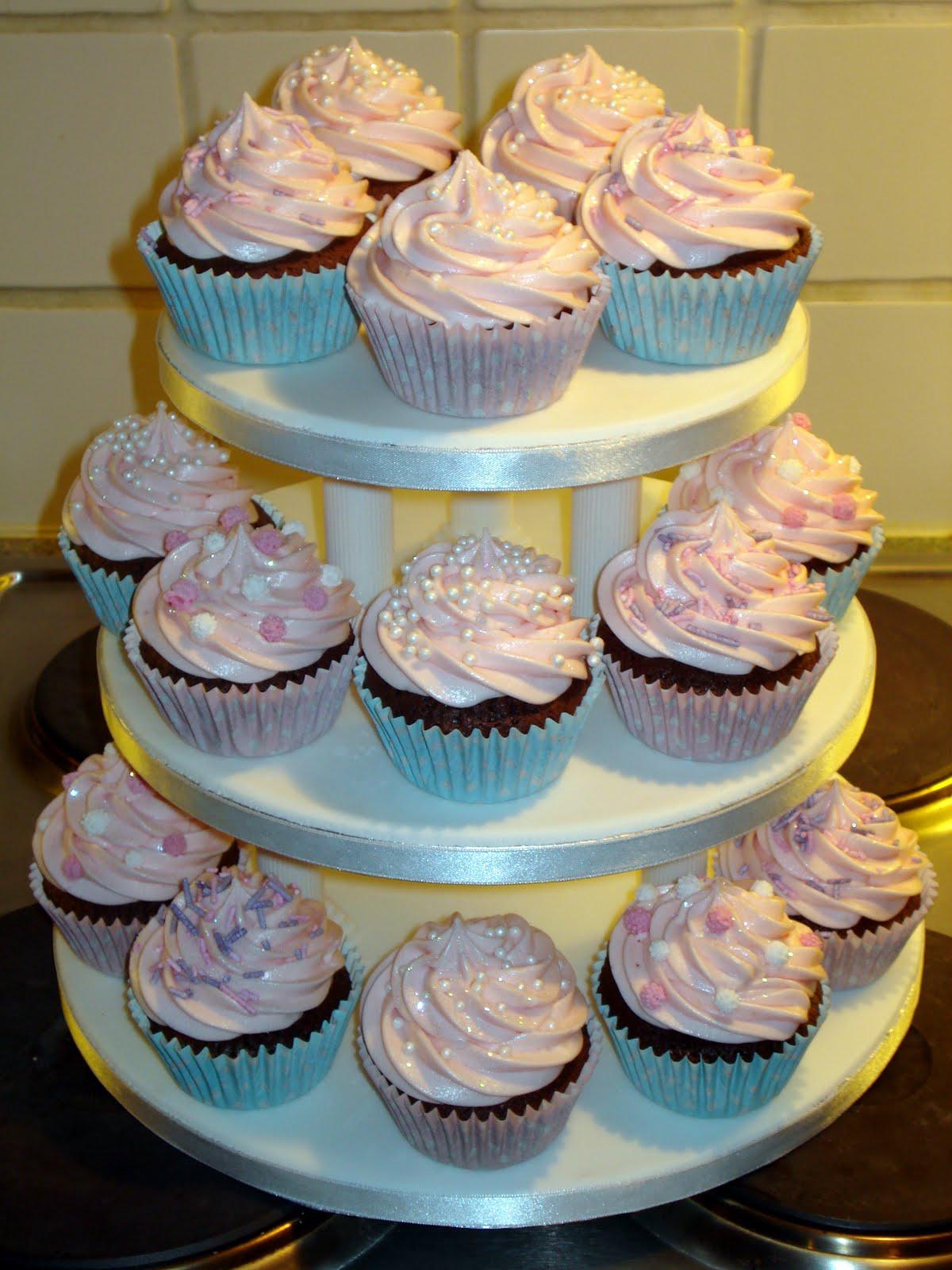 Custom Cake Designs Uk : Custom Cake Design: Chocolate/Strawberry tower