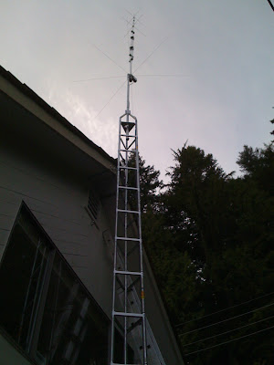 Thanks to a posse of 9, mostly from the North Shore Amateur Radio Club, ...