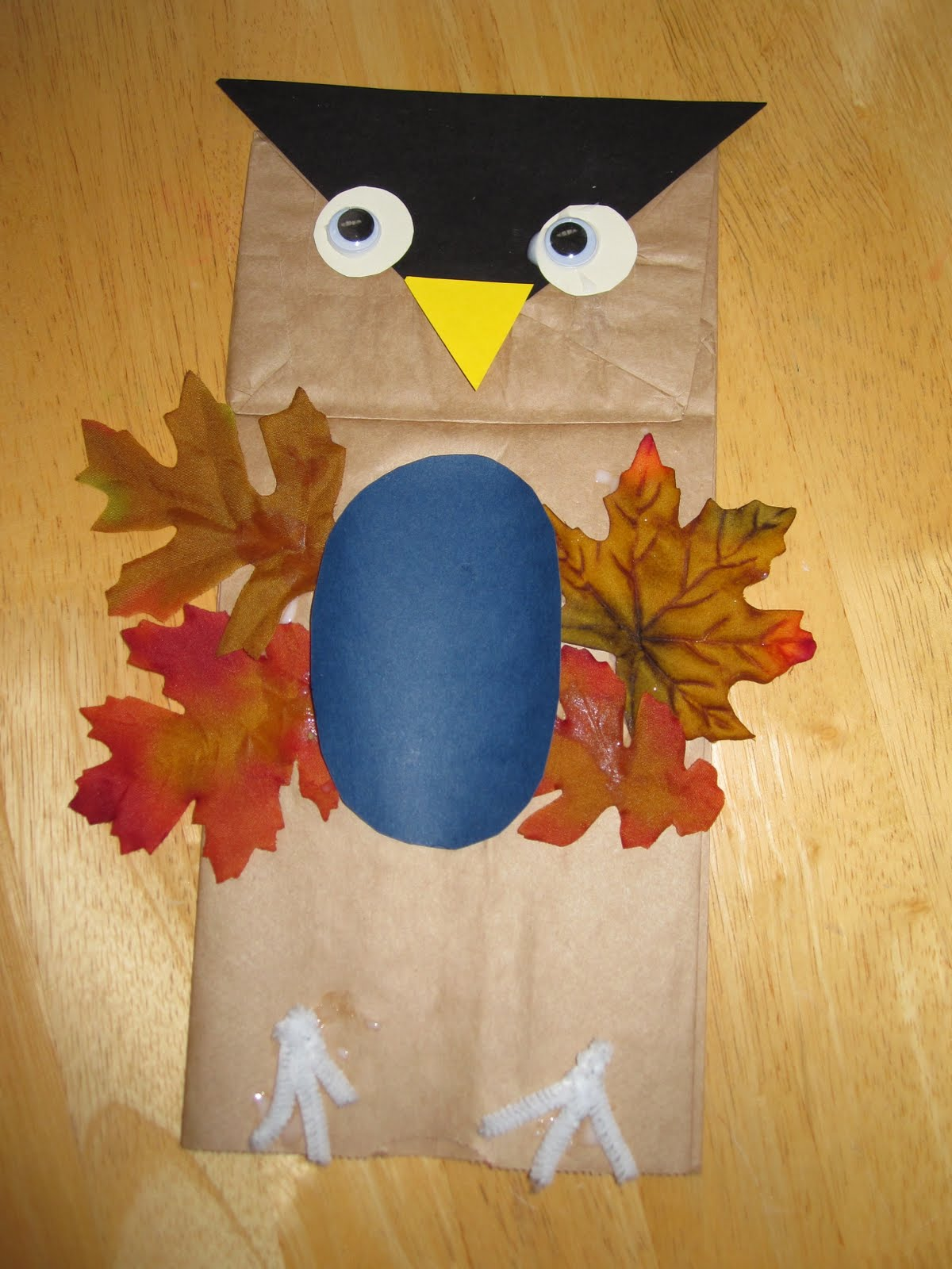 Toddler approved whoos that yesterday we made leaf owls at a craft class we hosted and it was fun to see the little variations on everyones owls jeuxipadfo Image collections