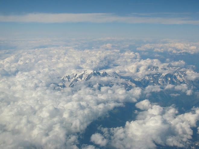 Volando sobre los Alpes, a través de mi ventana...